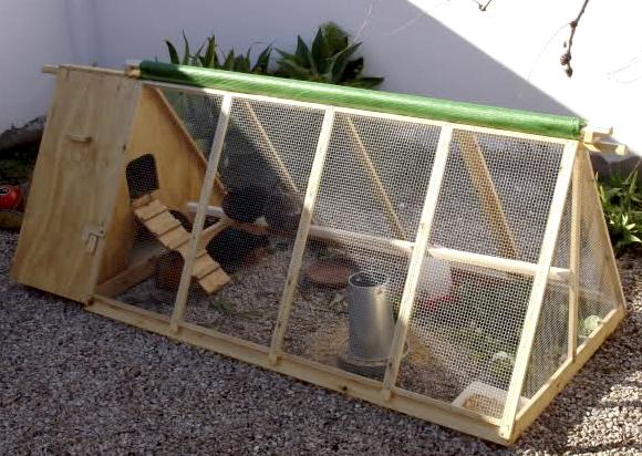 Ponedero para gallinas casero hecho de madera